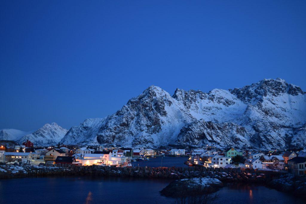 Uno scorcio delle isole Lofoten alle 10 del mattino