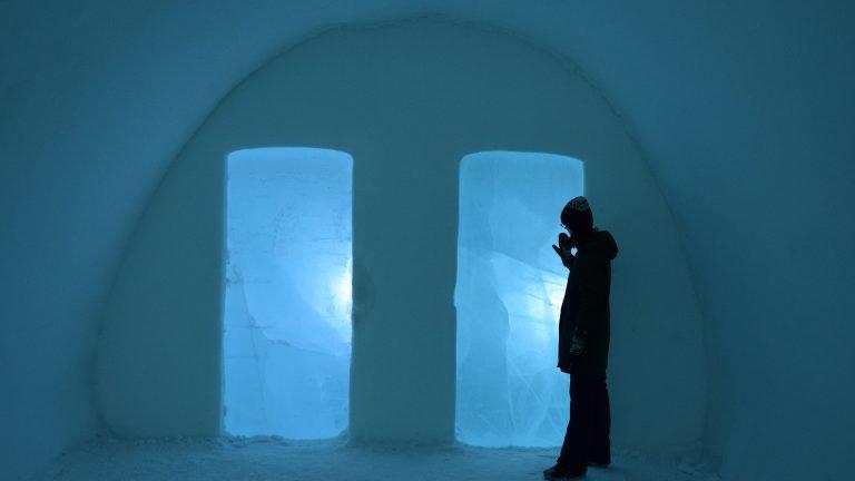 Lampade ghiacciate all'interno dell'Ice Hotel.