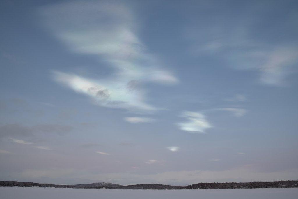 La formazione delle nuvole madreperlacee.