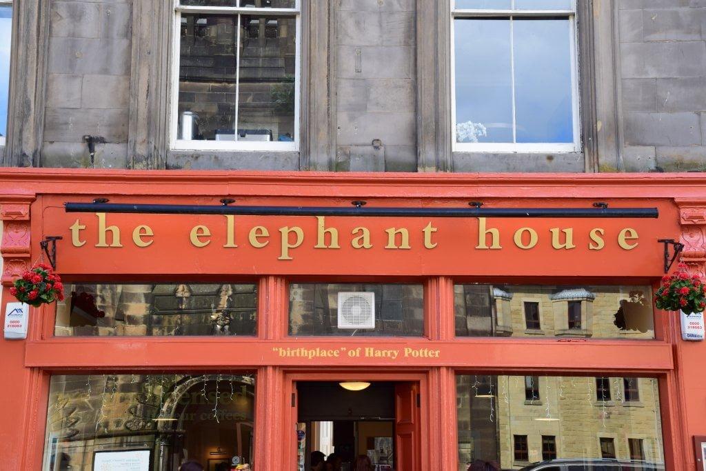 L'ingresso di The elephant house, il bar in cui venne scritto il primo capitolo di Harry Potter.