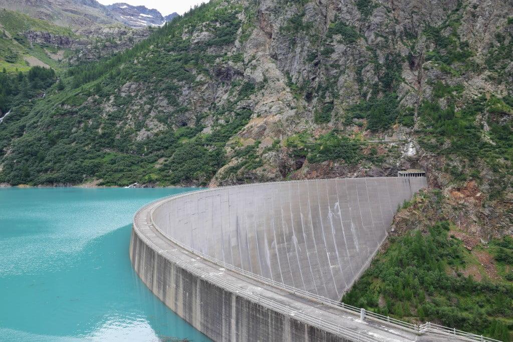 La diga di Place Moulin che abbiamo visto durante la nostra escursione in Valle d'Aosta.