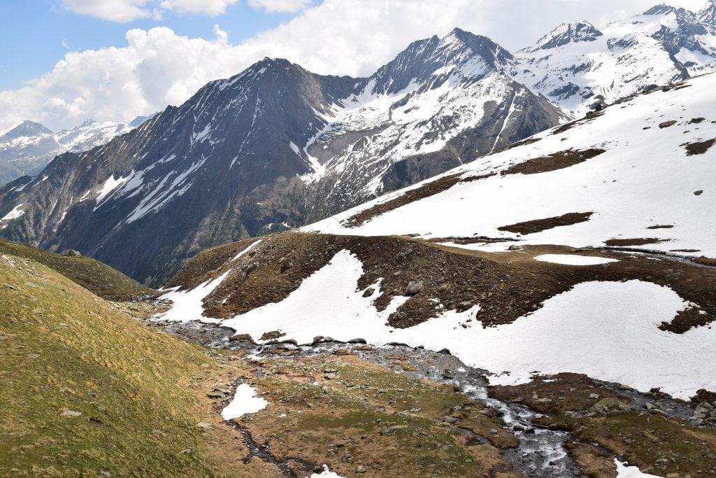 Il sentiero che conduce al rifugio Sella.