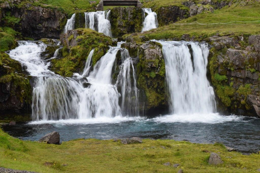 Le cascate vicino al monte Kirkjufell