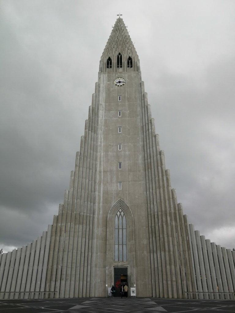 La chiesa di Reykjavik, simbolo della città
