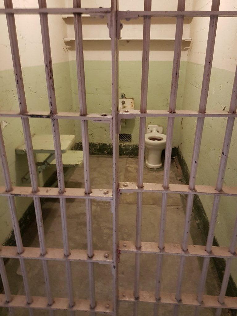 Una delle celle della prigione di Alcatraz.