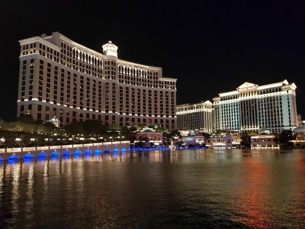 USA on the road: l'esterno dell'hotel Bellagio, a Las Vegas.