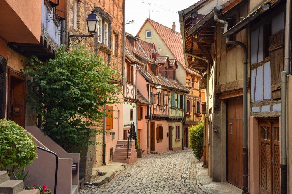 Viaggio in Alsazia: Il centro di Eguisheim.