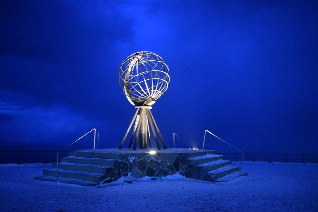Il famoso globo di Capo Nord.