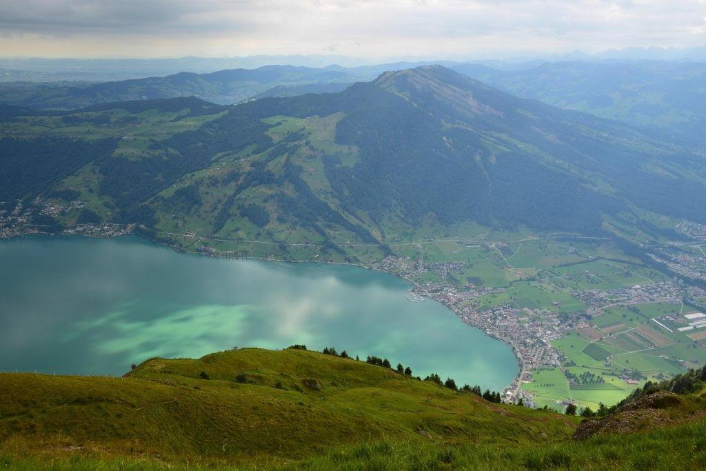 Le bellezze della Svizzera: il panorama dalla cima del monte Rigi.