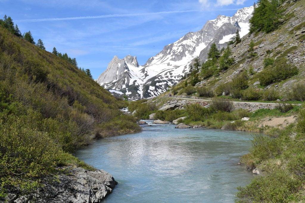 Il lago Combal, in Val Veny