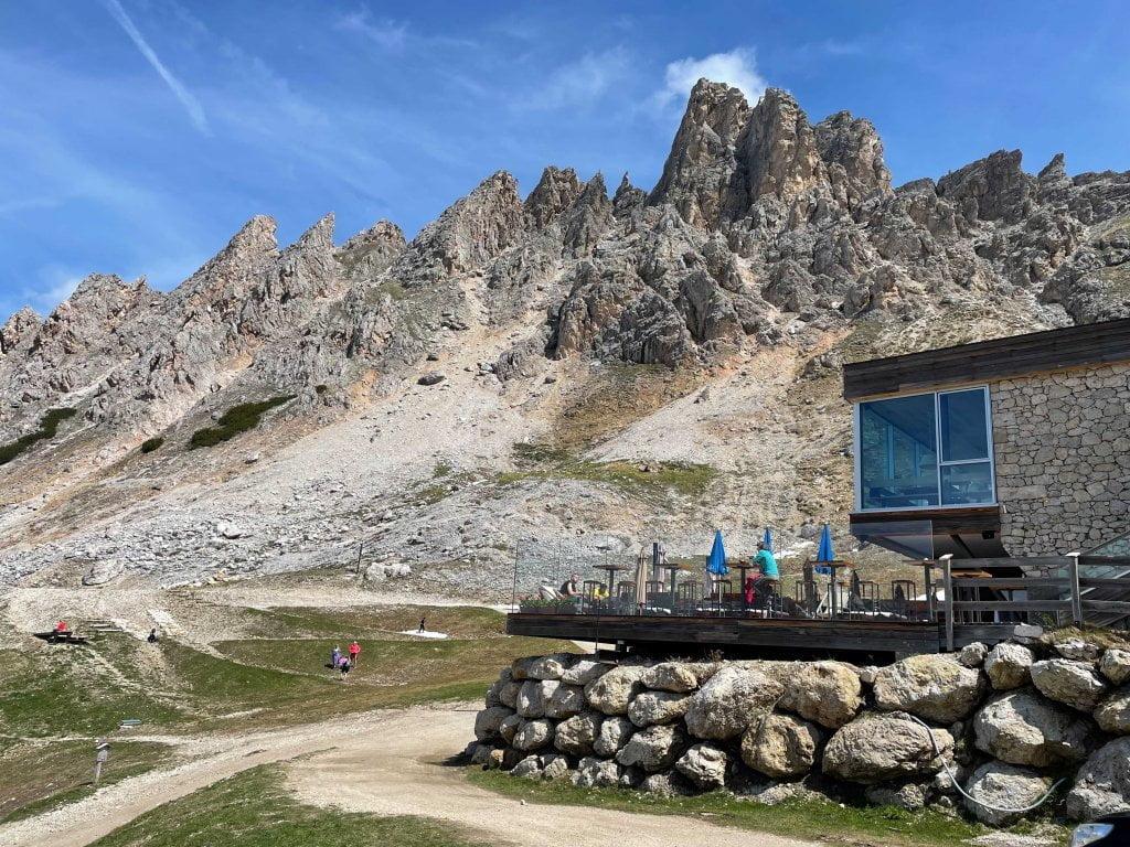 In montagna con neonati: il rifugio Dantercepies.